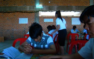 Youth pray for Jesus Christ